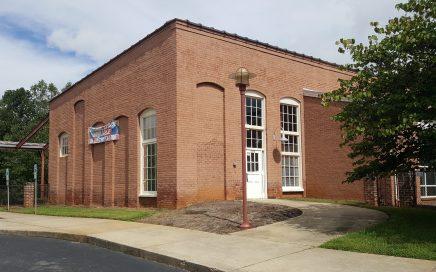 540 Riverside Dr, Eden, NC 27288